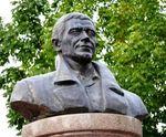 7 октября – 15 лет со дня открытия памятника актёру и режиссёру Валерию Приёмыхову
