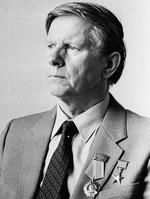 19 июня –95 летсо дня рождения белорусского писателя Василя Владимировича Быкова (1924-2003)