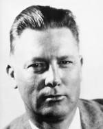 17 июля — 130 лет со дня рождения Эрла Стенли Гарднера (1889-1970), американского писателя, классика детективного жанра