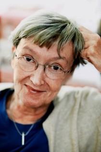 13 октября —85 летсо дня рождения австрийской детской писательницы, лауреата Международной премии имени Х.К. Андерсена (1984), лауреата Премии памятиАстрид Линдгрен(2003)Кристине Нёстлингер(1936-2018)